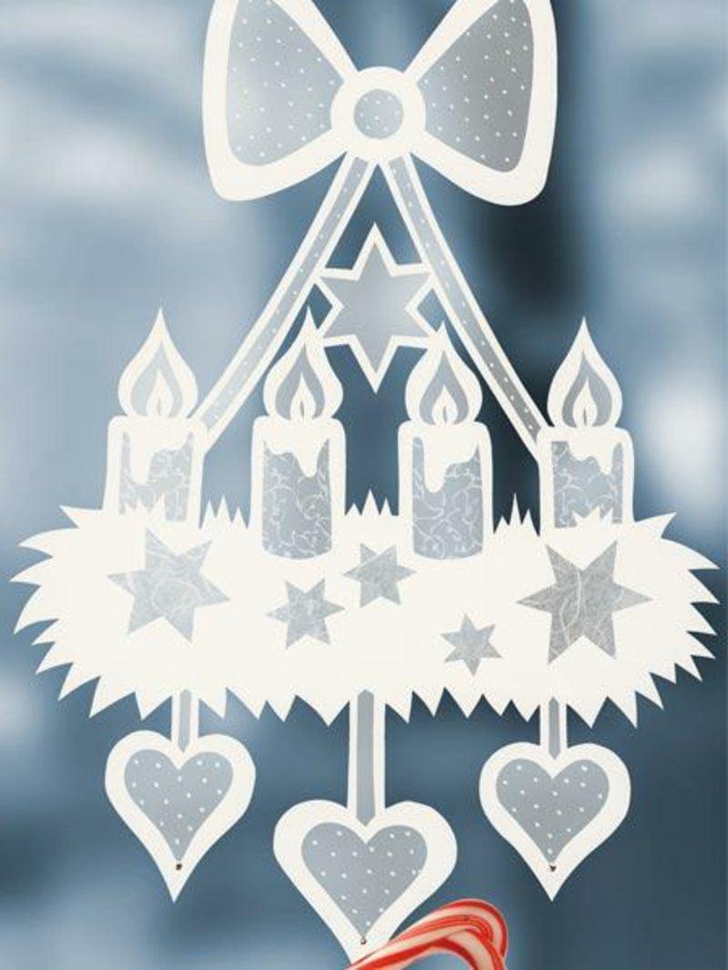 Fensterbilder zu Weihnachten festlicher Kranz