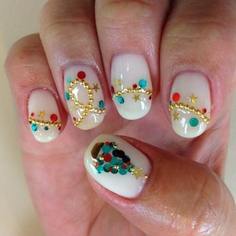 Nailart Galerie Winter Lichterkette Glitzersteine