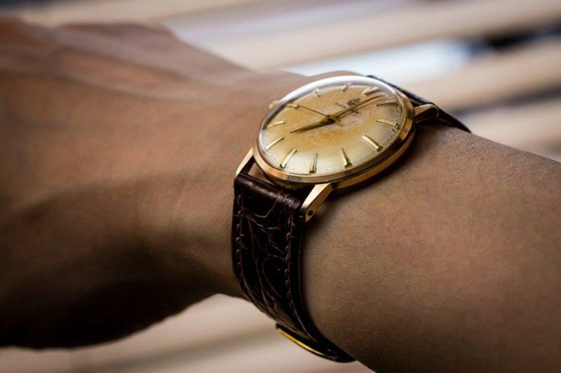 Geschenke für Männer zu Weihnachten Vintage Armbanduhr