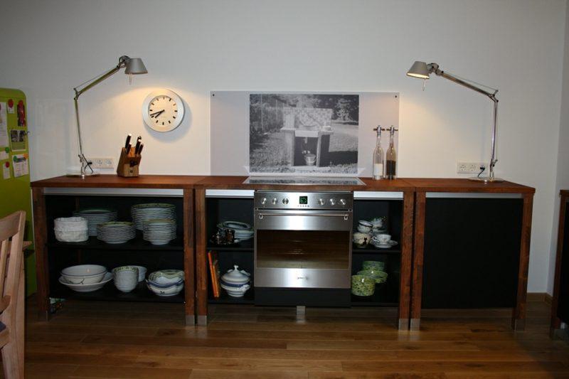 Modulküche drei Elemente Holz schwarz