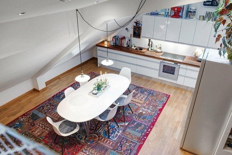 moderne Modulküche im kleinen Raum