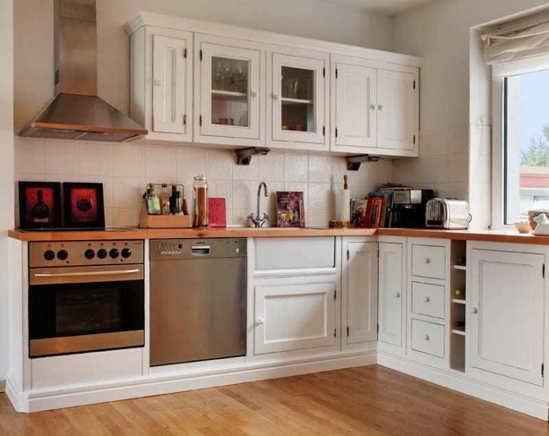 Modulküche im Weiss Holz klassischer Look