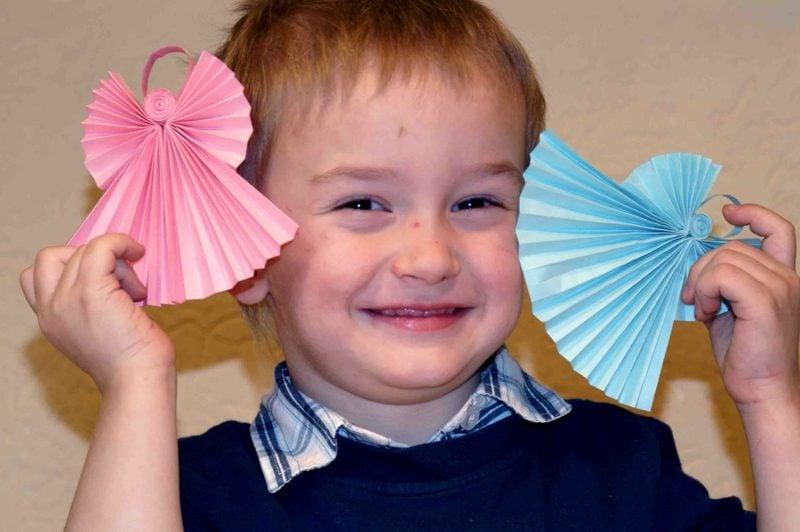 DIY Ideen zu Weihnachten Papierengel mit den Kindern basteln