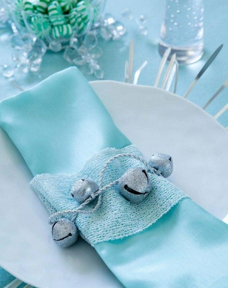 Tischdeko Weihnachten Servietten Falten Herrliche Variante Im Hellblau