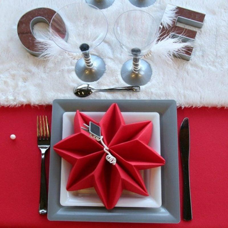Servietten falten Zu Weihnachten roter Stern