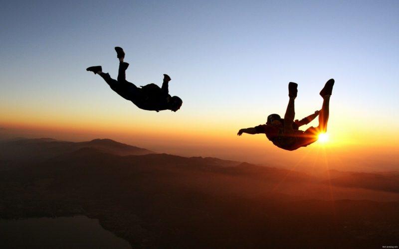 Geschenke für Männer zu Weihnachten Erlebnisgeschenk Skydiving