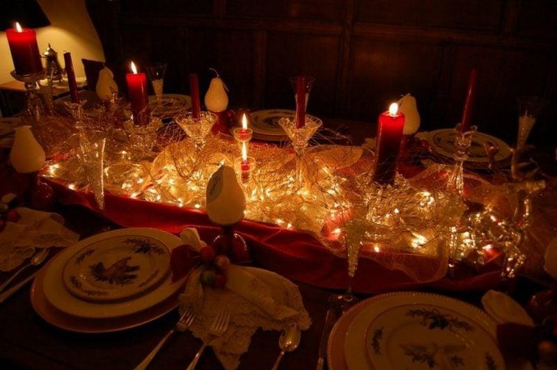 originelle Tischdekoration mit Lichterketten Dekoideen zu Weihnachten