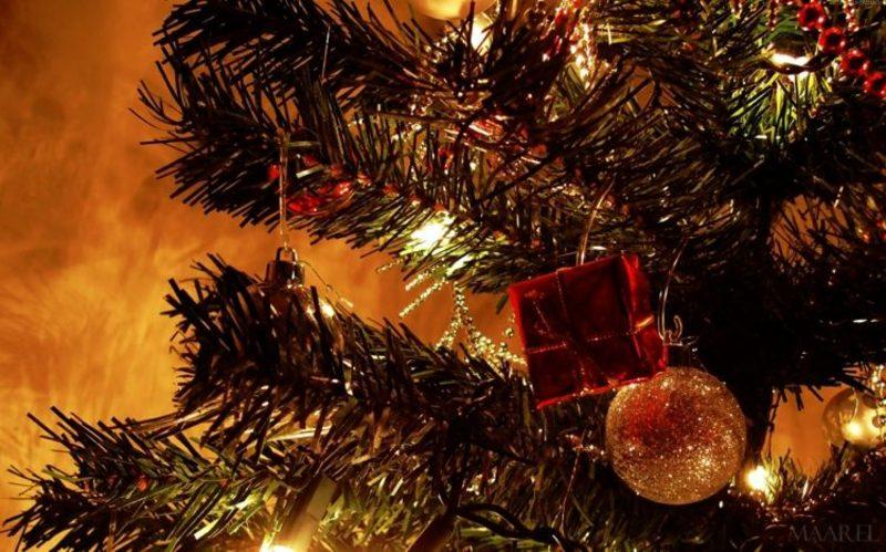 Weihnachtsbaumschmuck Geschenke Kugeln