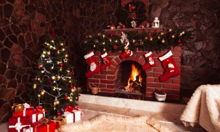 weihnachtsdeko ideen kaminsims-girlande aus nikolausstiefeln