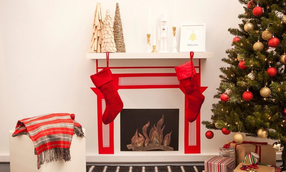 weihnachten am kamin dekokamin aus pappe basteln diy weihnachtsdeko ideen zenideen. Black Bedroom Furniture Sets. Home Design Ideas