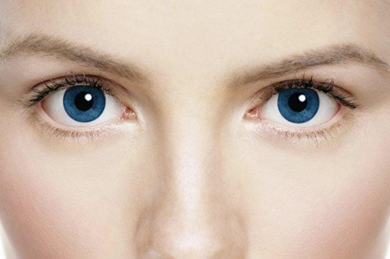 Farbige Kontaktlinsen in Blau