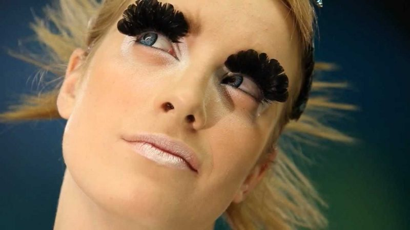 Farbige Kontaktlinsen für Karneval