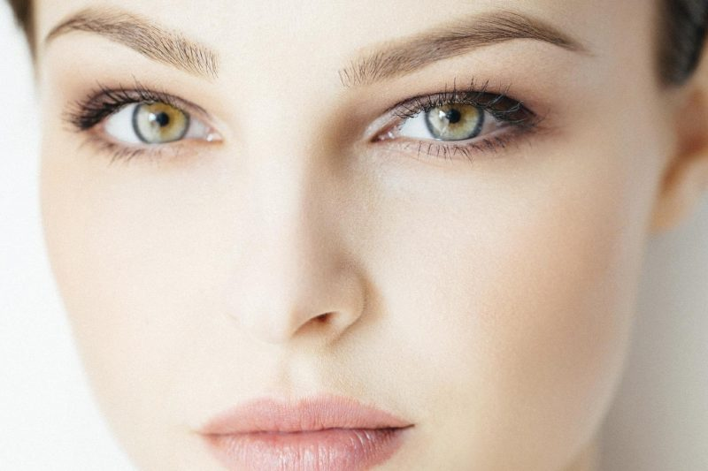 Farbige Kontaktlinsen lassen die Augen strahlen