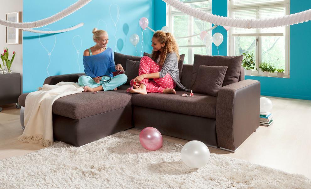 Jugendzimmer einrichten - Sofa und Sessel sind ein Trend