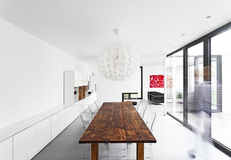 Massivholztische aus Naturholz mit moderem Design sind ein Trend