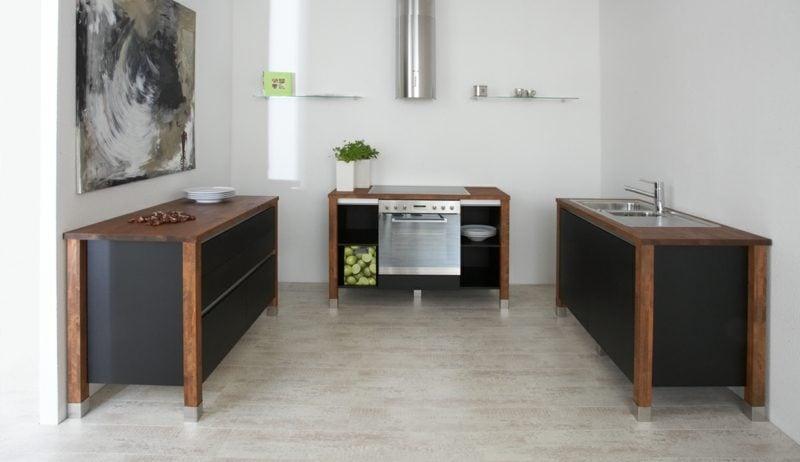moderne Modulküche aus drei Elementen