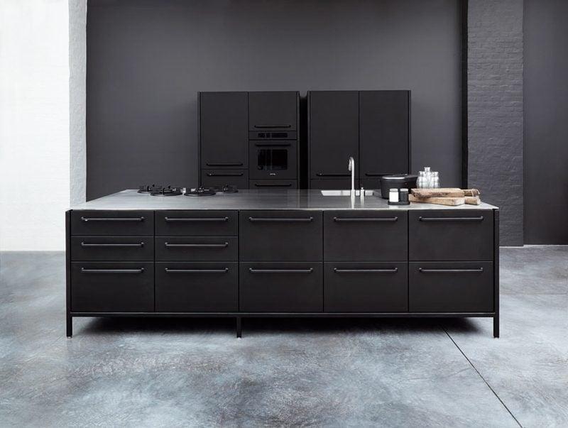 elegante modulare Küche im Schwarz