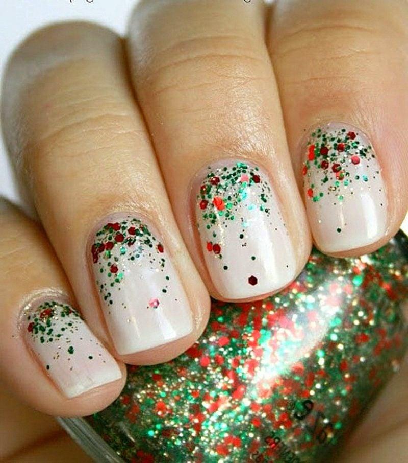 Nageldesign zu Weihnachten glitzernde naegel