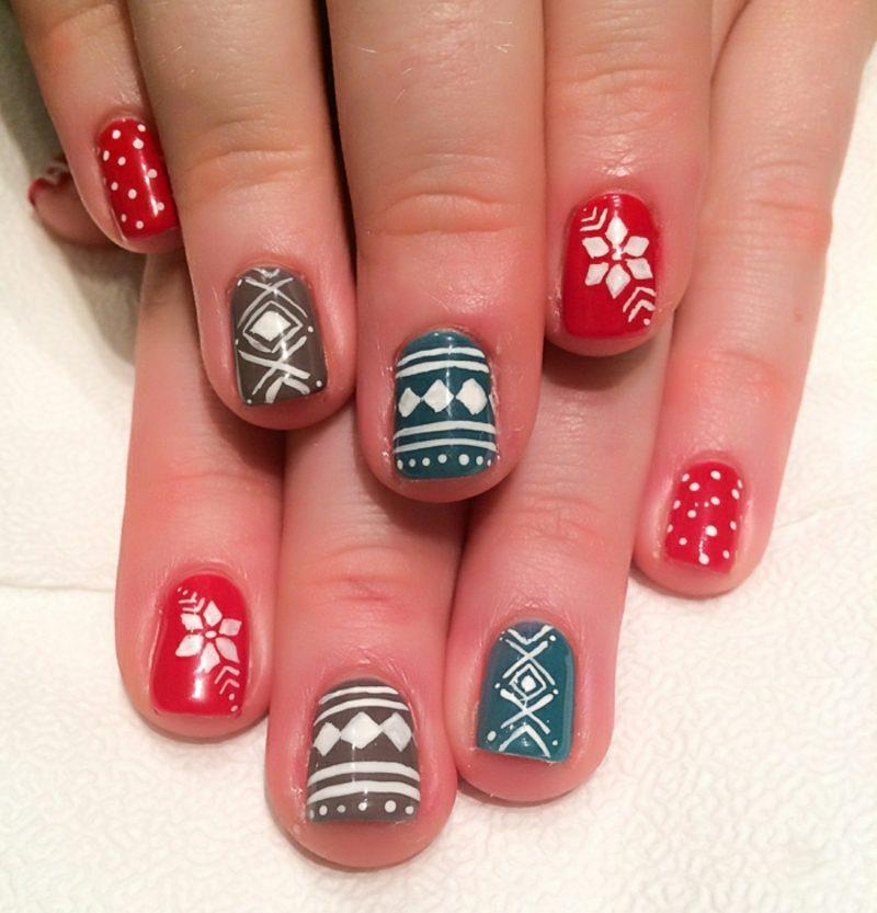 Nageldesign zu Weihnachten rot grau blau