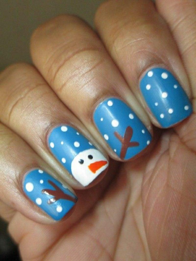 Nageldesign zu Weihnachten blau
