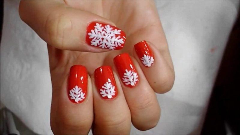 Nageldesign zu Weihnachten weiss rot