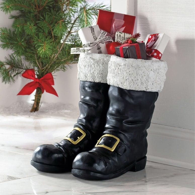 Große Stiefel haben viel Platz für große Nikolausgeschenken