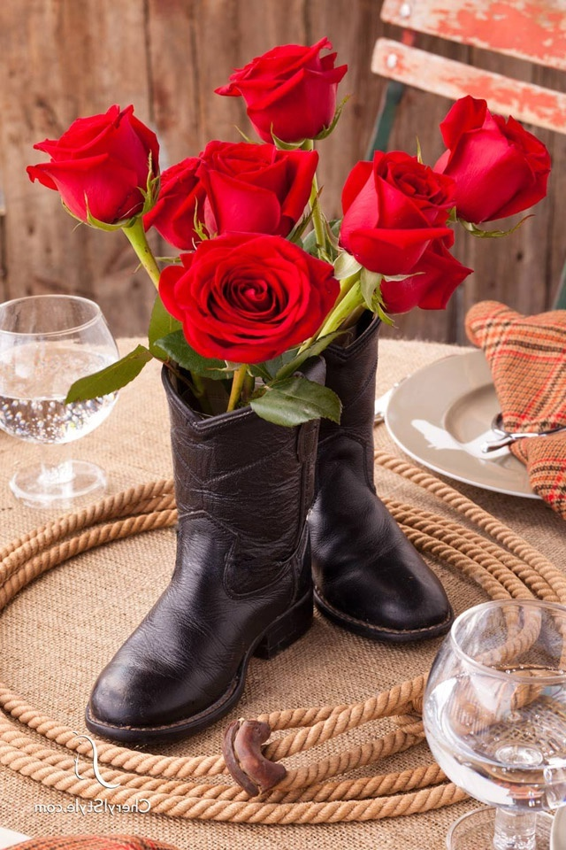 Warum nicht Blumen als Nikolausgeschenke in Stiefel stecken?