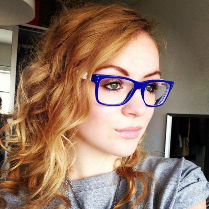 Brillenmode 2016 Herbst Winter trendige Brillen mit blauem Rahmen