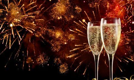 das Neujahrbeginn feiern originelle Glückwünsche