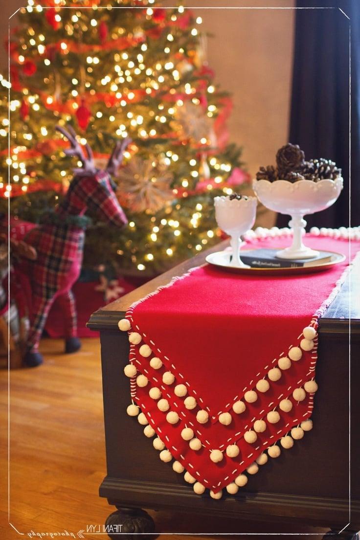 tischlaufer-weihnachten-pompom