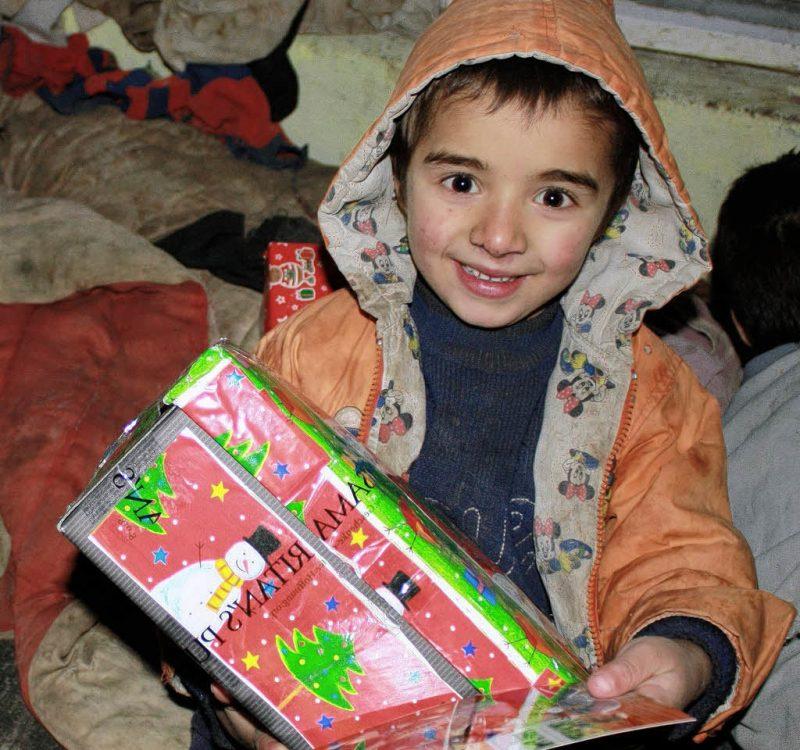 Weihnachten im Schuhkarton - bessere Menschen werden