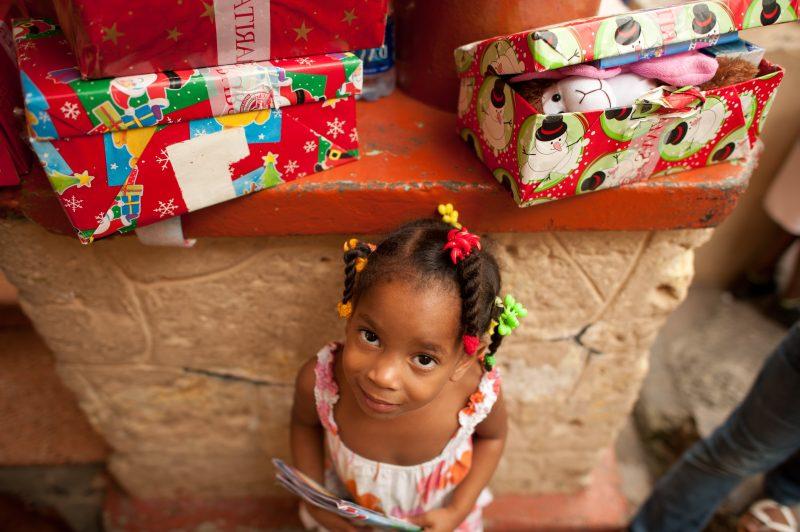 Weihnachten im Schuhkarton - ein Kind glücklich machen