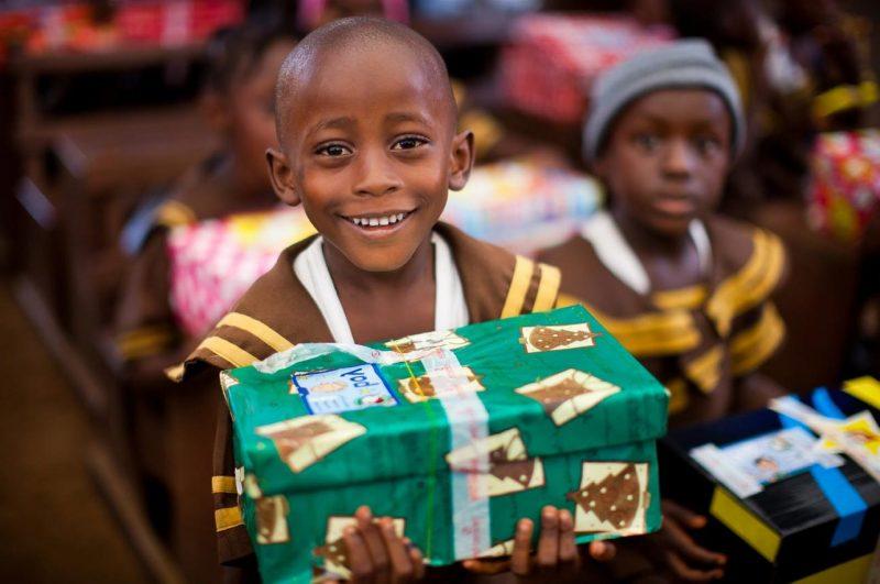 Weihnachten im Schuhkarton - Gutes tun und glücklich werden
