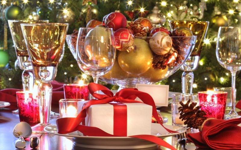 Tisch weihnachtlich dekorieren - welche Elemente?