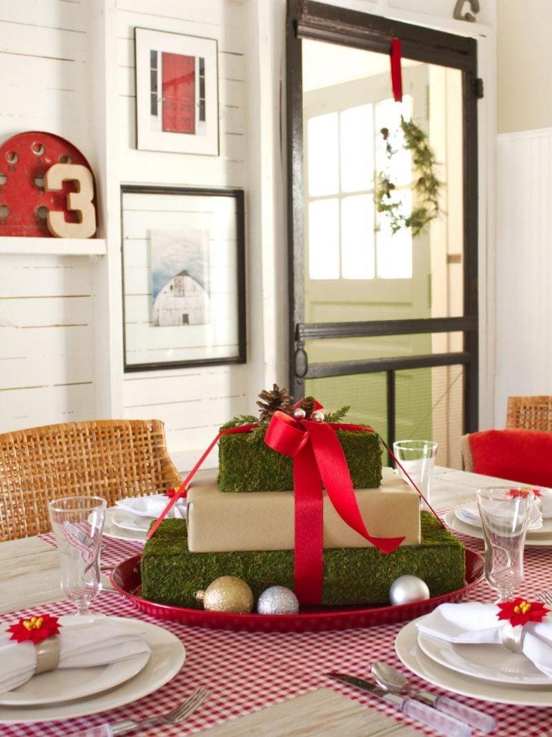 Tisch weihnachtlich dekorieren - Geschenk basteln