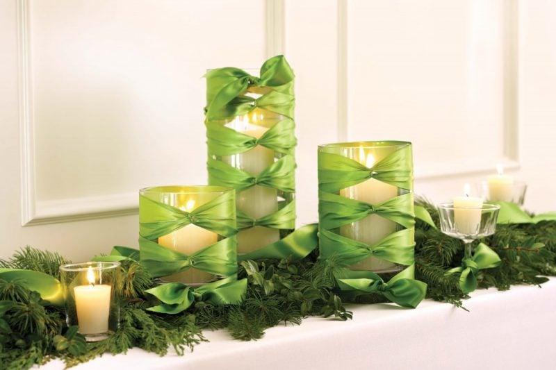 Tisch weihnachtlich dekorieren in Grün
