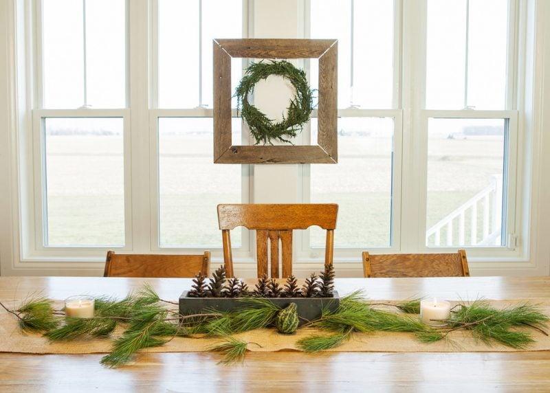 Tisch weihnachtlich dekorieren - minimalistische Deko