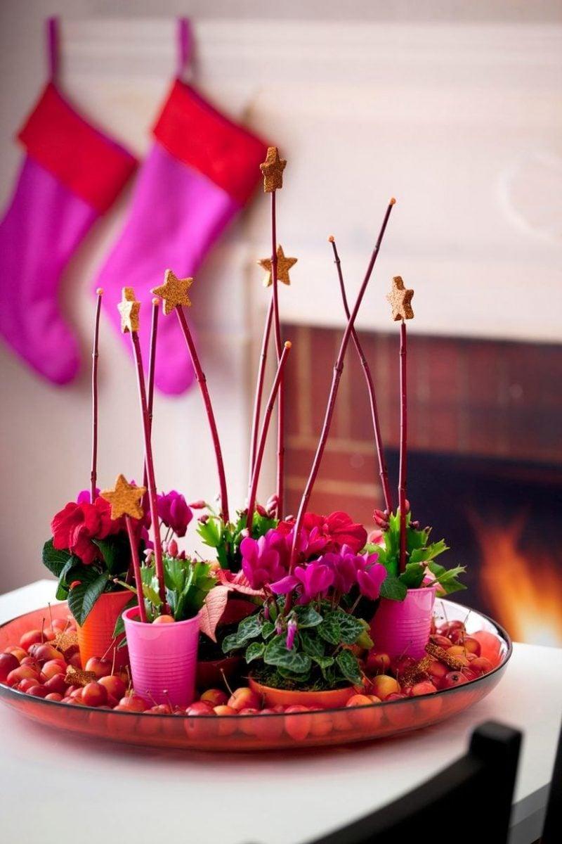 Tisch weihnachtlich dekorieren mit Pink