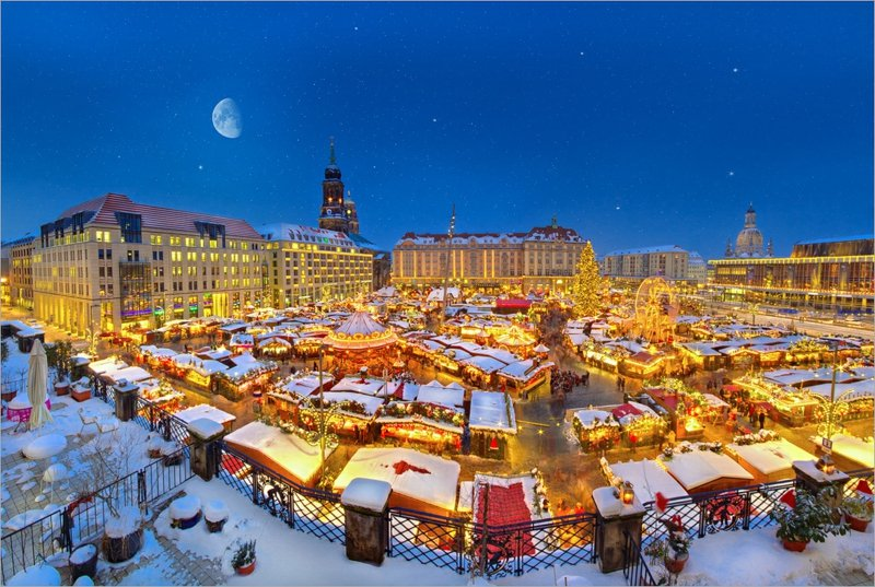 weihnachtsgrusedresden_striezelmarkt_2010_by_torsten_hufsky-d34e6ia-2016