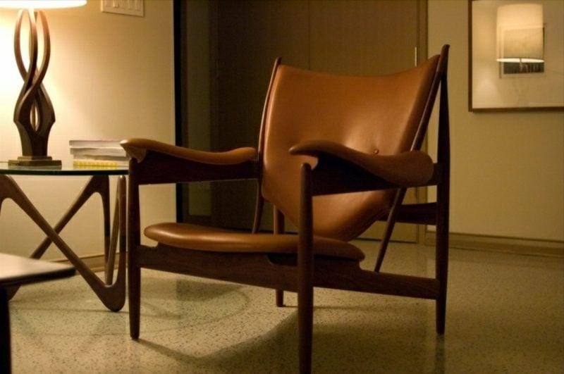 skandinavische Möbel bequemer Armsessel mit Lederpolsterung