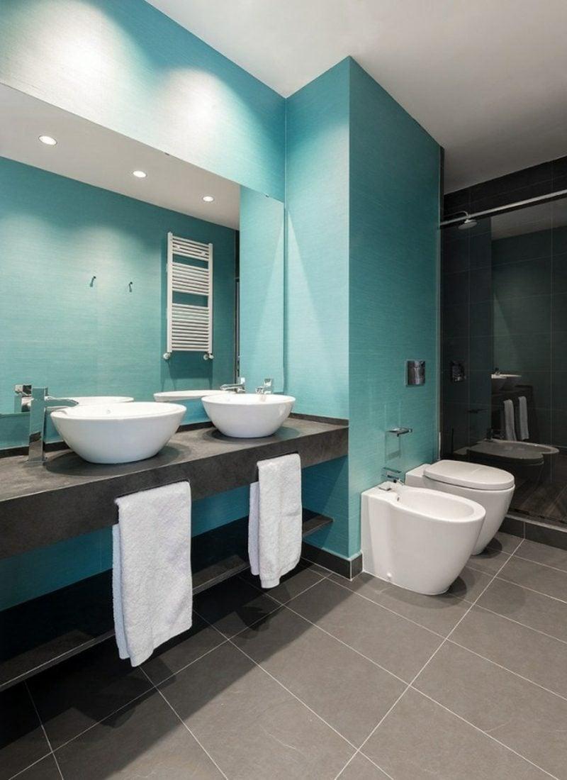 Luxus Badezimmer im Blau und Grau Aufsatzwaschbecken Doppelwaschtisch