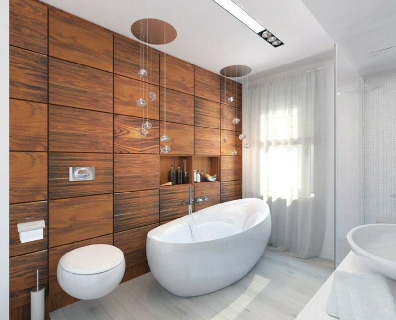 Luxus Badezimmer Akzentwand aus Kirschholz grosse Badewanne aus Porzellan