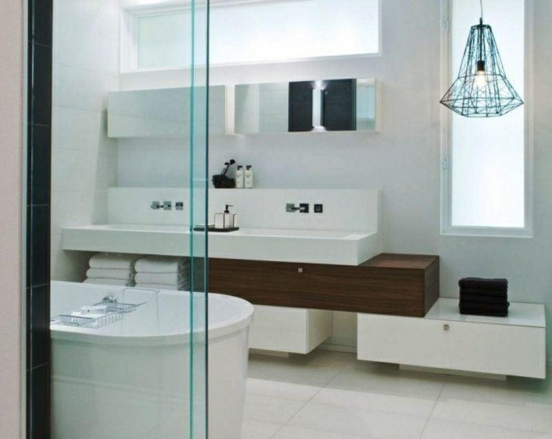 Luxus Badezimmer neutrale Farbgestaltung puristisches Design