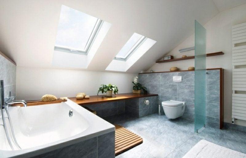 Luxus Badezimmer mit Dachschräge modernes Design
