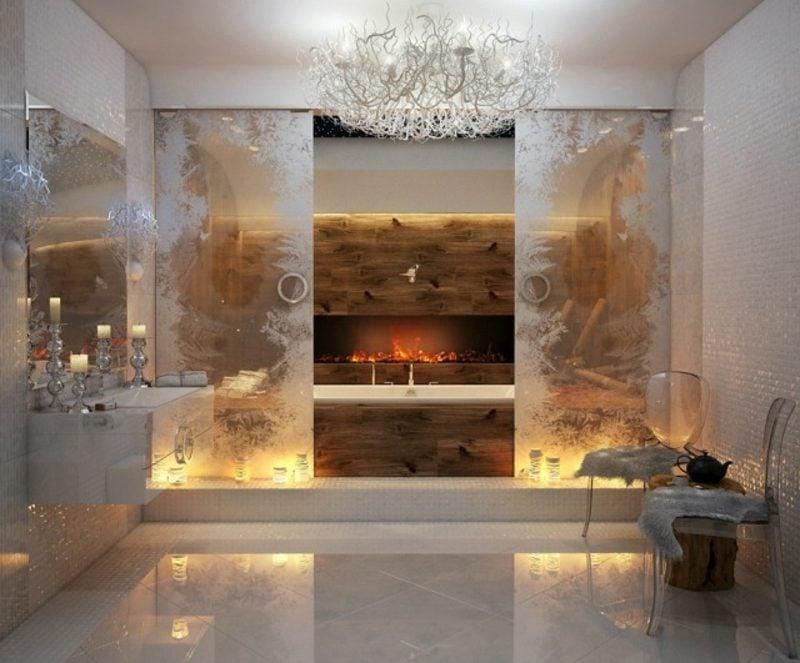 Luxus Badezimmer Kristallkronleuchter Kamin indirekte Beleuchung prunkvolles Ambiente