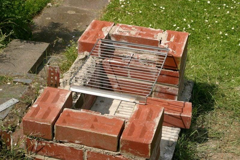 DIY Steingrill bauen Garten