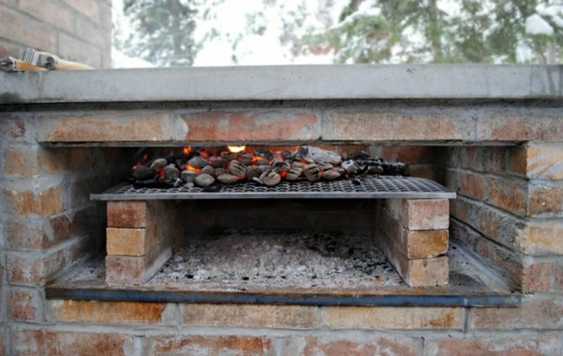 Steingrill selber bauen Schamottsteine Grillrost