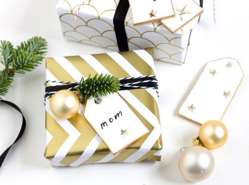 Geschenkpapier zu Weihnachten im Weiss und Golden eleganter Look
