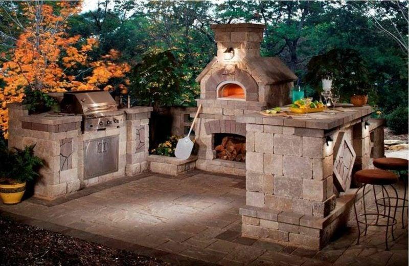 Aussenkamin und Pizzaofen Stein