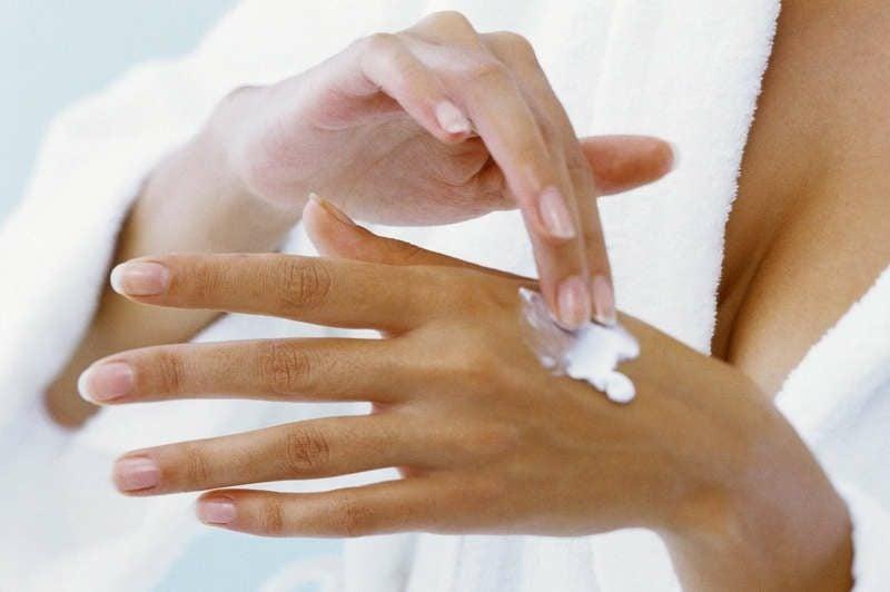 Handcreme selber machen zarte Pflege für die Hände im Winter